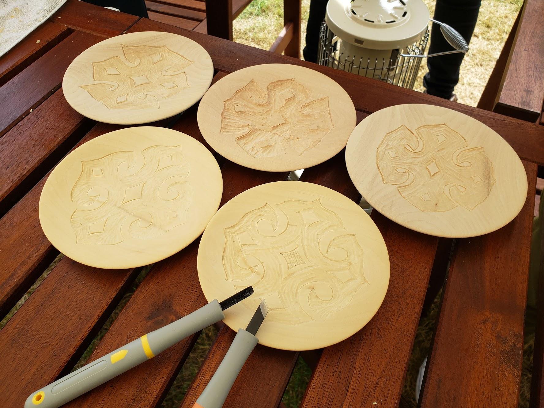 アイヌ木皿体験